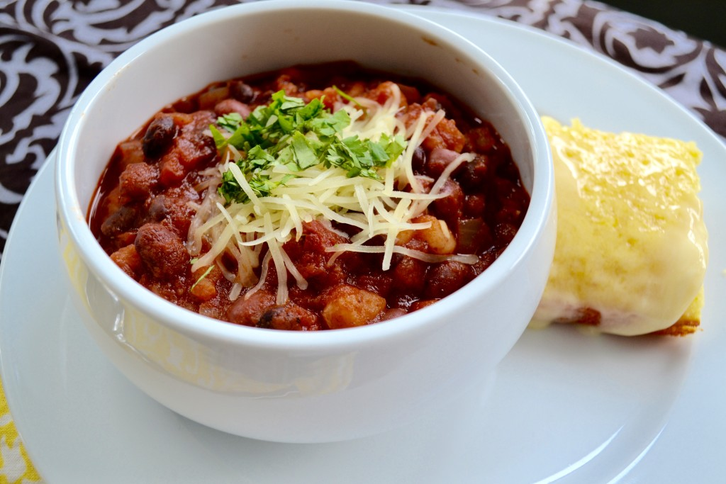 chili-cornbread-myvegtable